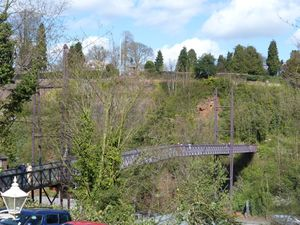 The new Hollybush Road Footbridge(2015)